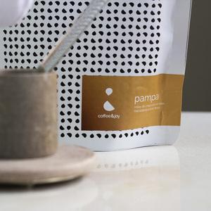 Thumb coffeeandjoy kit de cafe com xicara de pedra sabao