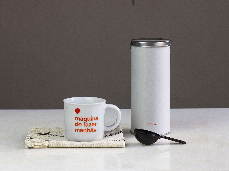 Coffeeandjoy kit de cafe com caneca e colher